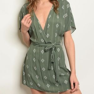 Other - Only 1 Left! NWT Olive and White Romper☀️